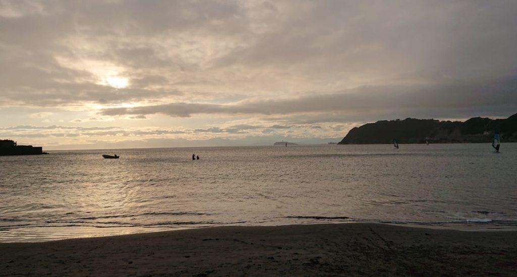 逗子海岸 東浜から江ノ島望む / Enoshima from Zushi Beach  (2020 Oct 11th)