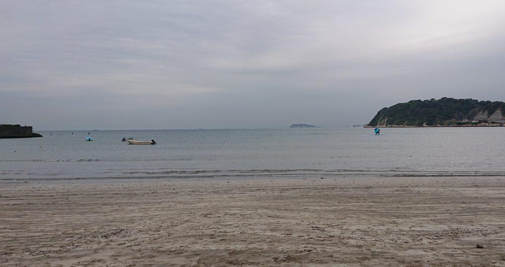 逗子海岸 東浜から江ノ島望む / Enoshima from Zushi Beach  (2020 Oct 14th)
