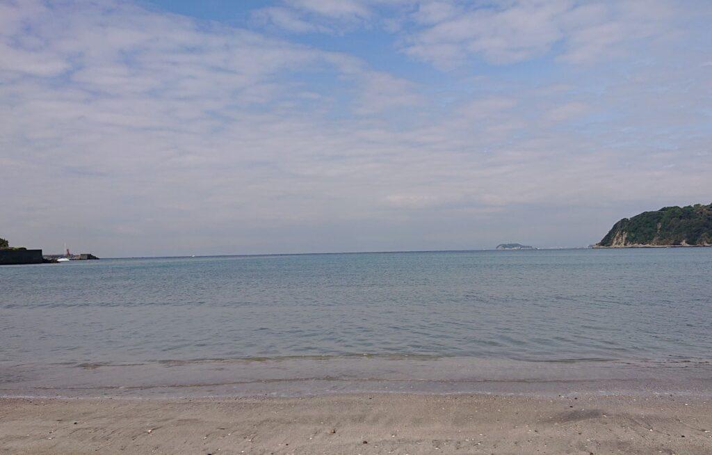逗子海岸 東浜から江ノ島望む / Enoshima from Zushi Beach (2021 April 16th)