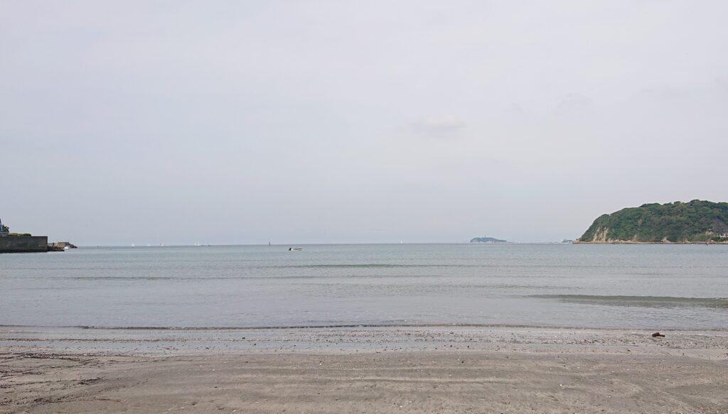 逗子海岸 東浜から江ノ島望む / Enoshima from Zushi Beach (2021 May 14th)