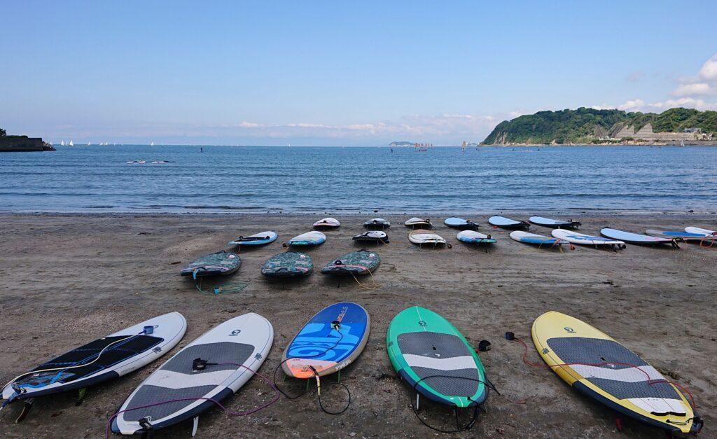 逗子海岸 東浜から江ノ島望む /  Enoshima and Mt.Fuji from Zushi Beach(2021 May 23th)