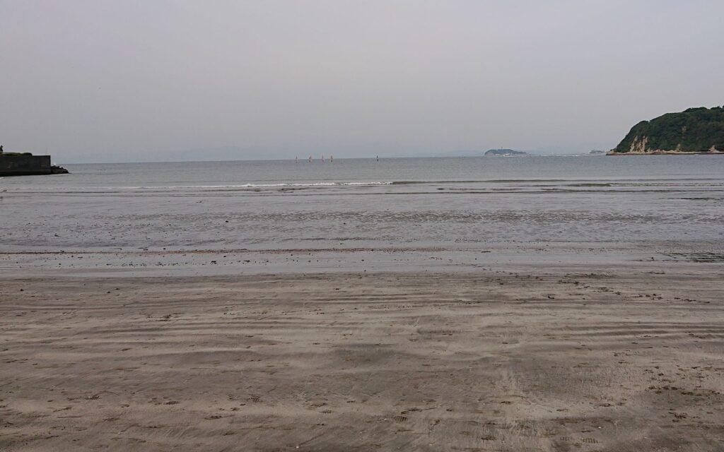 逗子海岸 東浜から江ノ島望む / Enoshima from Zushi Beach  (2021 May 26th)