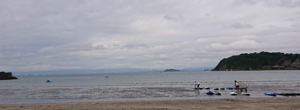 逗子海岸 東浜から江ノ島望む / Enoshima aand Mt.Fuji from Zushi Beach (2021 Sep 5th)