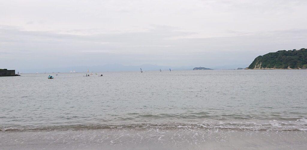 逗子海岸 東浜から江ノ島と富士山望む / Enoshima and Mt.Fuji from Zushi Beach (2021 Sep 26th)
